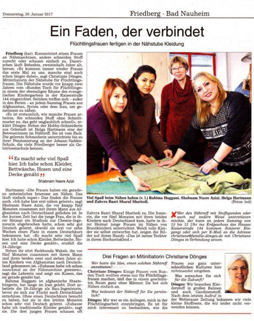 Flüchtlingsfrauen fertigen Kleidung in der Nähstube des Runden Tisches
