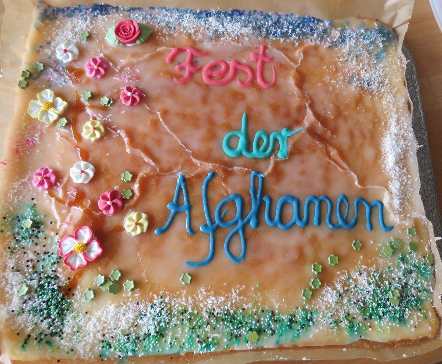 Birgit Wettig hatte wieder 2 schöne Kuchen mit entsprechender Aufschrift gebacken